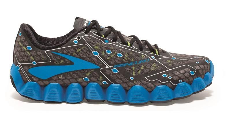 """נעלי Neuro של חברת ברוקס  צילום: יח""""צ"""