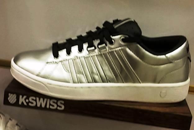 """מצוידות גם ברפידת ג'ל עבה. נעלי קיי סוויס  צילום: יח""""צ"""
