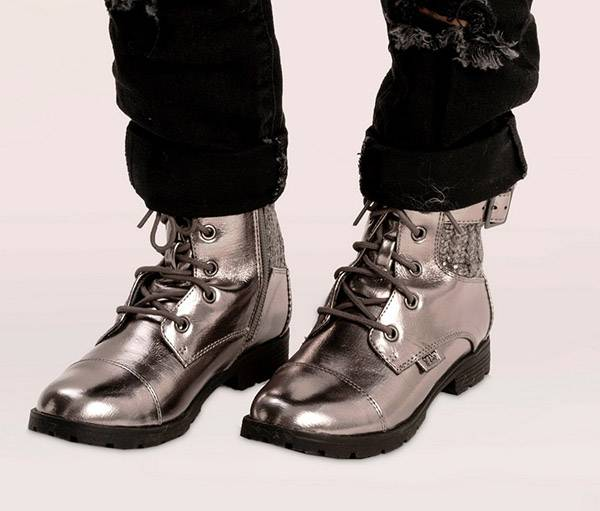 נעלי נמרוד צבע הכסף|צילום: רון קדמי