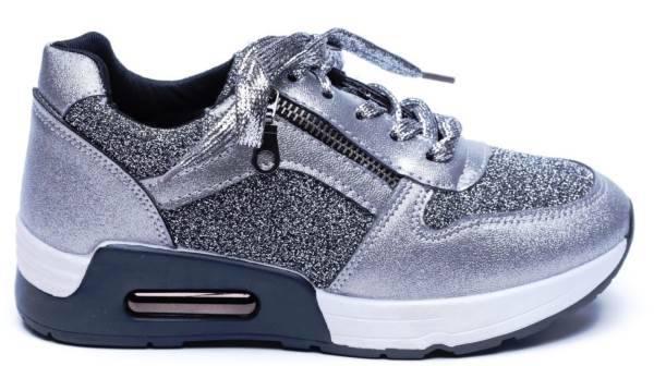 נעליי סניקרס סקופ צילום: עמירם בן ישי